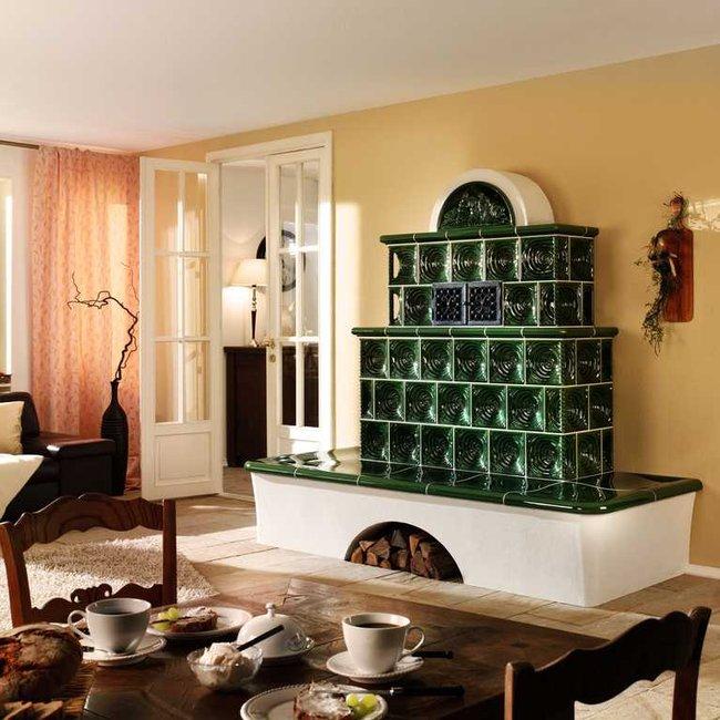 Kachelöfen, Kaminöfen und Heizkamine bieten ein Wärme-Design für moderne Wohnkultur.