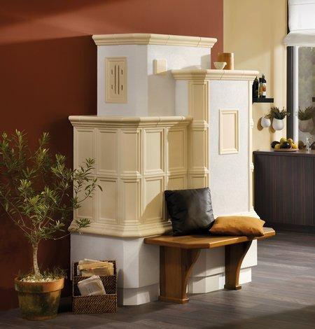Der Grundofen gibt dem Raum mit seinem eindrucksvollen Design ein individuelles Ambiente.