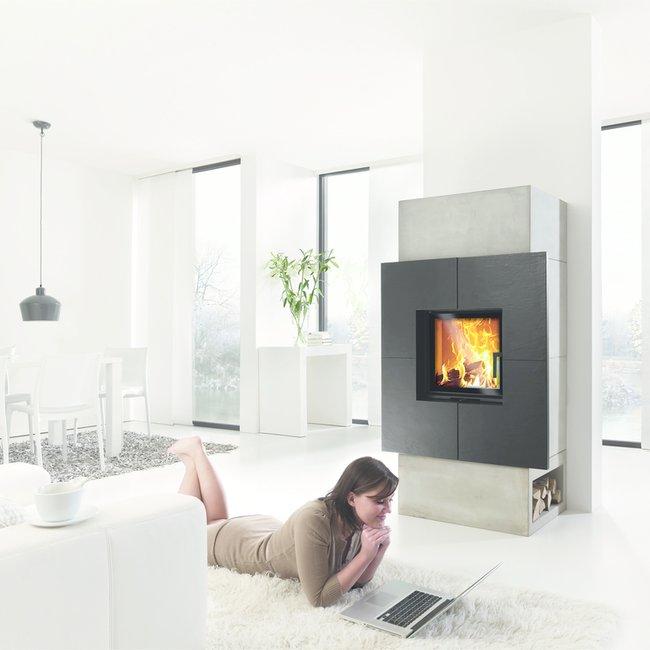 Ofenbauer machen moderne Holzfeuerstätten mit innovativer Technik umweltfreundlich.