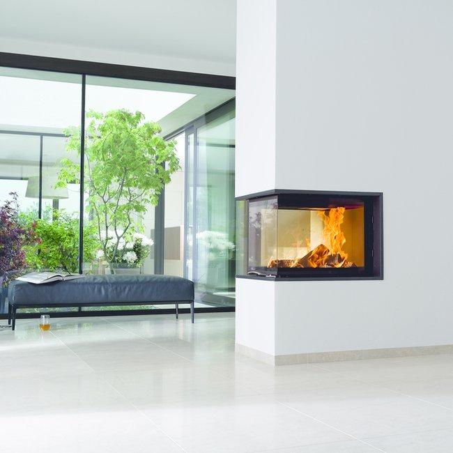 Heizkamine, Kachelöfen und Kaminöfen bieten ein sicheres und schönes Flammenspiel im Raum.
