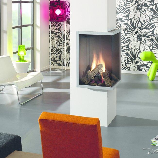 Die Wärme eines Gaskamins macht den Raum schnell gemütlich.