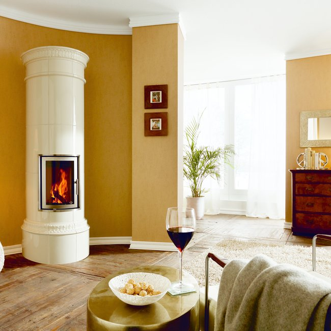 Moderne Holzfeuerstätten sorgen für eine hyggelige, gemütliche Ofenwärme.