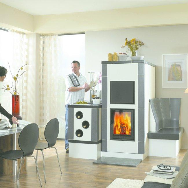 Moderne Holzfeuerstätten heizen sauber und CO2-neutral.
