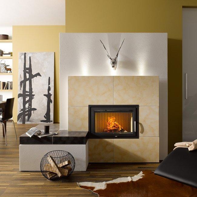 Moderne Holzfeuerstätten sind ein gemütlicher Blickfang.