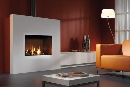 Heizkamine, Kachelöfen und Kaminöfen geben dem Raum eine individuelle Note.