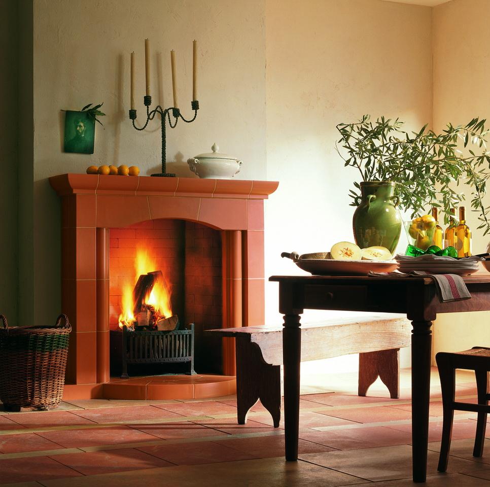 klassisch der offene kamin. Black Bedroom Furniture Sets. Home Design Ideas